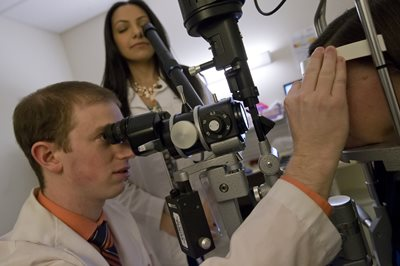 Comprehensive Eye Exam at The Eye Institute Philadelphia